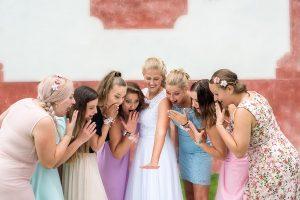 11 zlata koruna nevesta a svatebni psten jihocesky kraj svatebni foto svatebni fotograf ales motejl