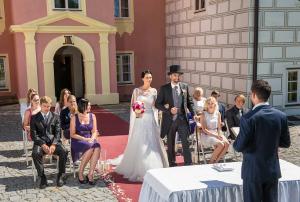 13 svatebni obrad zamek mitrowicz svatebni fotograf ales motejl jizni cechy