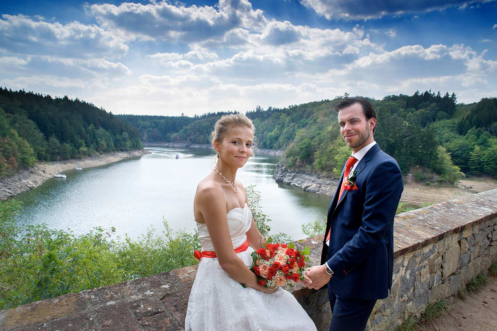 14 svatba pohled na prehradu orlik jizni cechy