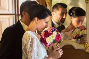 22 nevesta se svatebni kytici zamek mitrowicz svatebni fotograf ales motejl jizni cechy