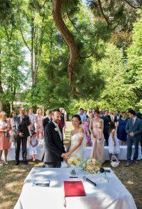 22 svatebni foto Hochzeitszeremonie am See Traunsee gmunden