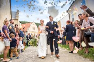 24 rozmberk nad vltavou po svatebnim obradu jihocesky kraj svatebni foto svatebni fotograf ales motejl 1