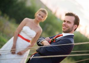 28 zenich nevesta v pozadi svatebni foto fotograf ales motejl jizni cechy