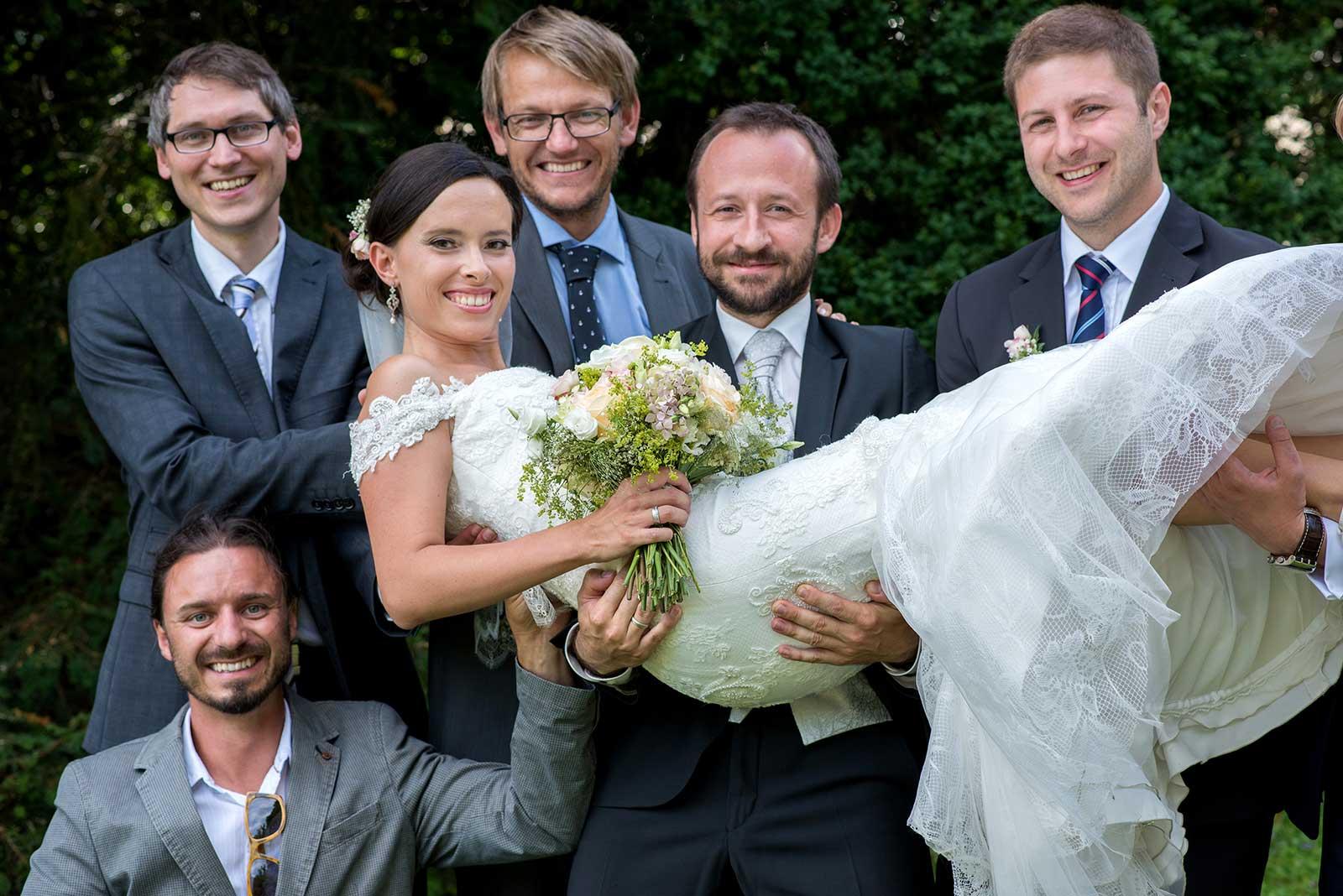 30 svatebni foto svatebcane a nevesta svatebni fotograf ales motejl jihocesky kraj