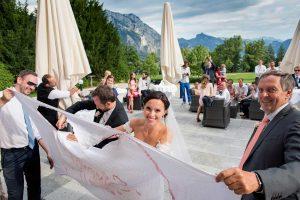 35 svatebni oslava zenich a nevesta svatebni fotograf