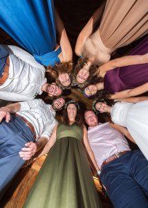 77 svatebni skupina z podhledu jihocesky kraj fotograf na svatbu jizni cechy