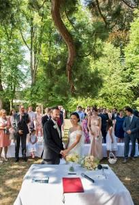 22-svatebni-foto-Hochzeitszeremonie-am-See-Traunsee-gmunden