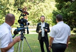 27-Bräutigam-Österreich-Hochzeitsfotograf-am-Traunsee-gmunden