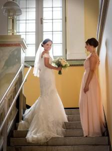 42-svatebni-fotograf-nevesta-s-druzickou-gmunden-svatebni-fotograf