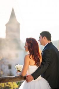25-svatebni-foto-zenich-a-nevesta-rozmberk-nad-vltavou-svatebni-fotograf-ales-motejl-jizni-cechy
