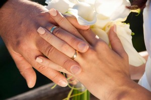 26-svatebni-prstynky-rozmberk-nad-vltavou-svatebni-fotograf-ales-motejl-jizni-cechy