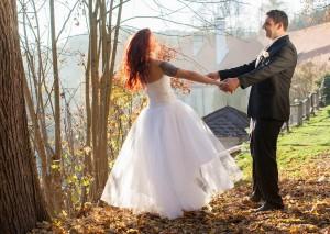 27-svatebni-foto-zenich-a-nevesta-rozmberk-nad-vltavou-svatebni-fotograf-ales-motejl-jizni-cechy