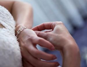 03-svatebni-fotografie-zliv-pripravy-nevesty-svatebni-fotograf-ales-motejl