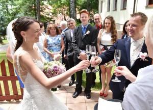 15-svatba-zenich-nevesta-a-pripitek-ceske-budejovice-svatebni-fotograf-ales-motejl