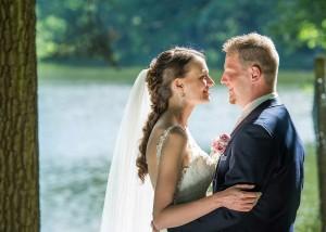 31-svatebni-foto-zenich-s-nevestou-ceske-budejovice-svatebni-fotograf-ales-motejl-jihocesky-kraj