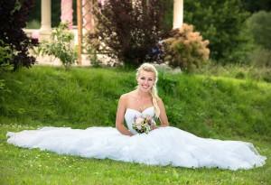 11-nevesta-se-svatebni-kytici-svatebni-foto-cesky-krumlov-svatebni-fotograf-ales-motejl-jihocesky-kraj