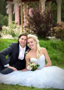 12-svatba-zenich-nevesta-u-altanku-cesky-krumlov-svatebni-fotograf-ales-motejl